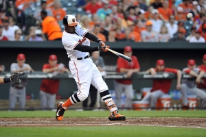 Adam-Jones-homerun-first-inning 38