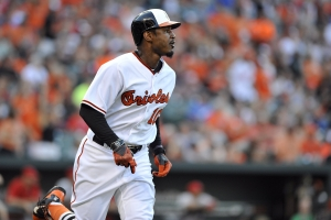 Adam-Jones-homerun-first-inning 40